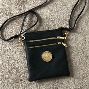 Non authentic Michael Kors crossbody